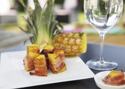 Gegrillte Ananas mit Bacon – grilled pineapple with bacon